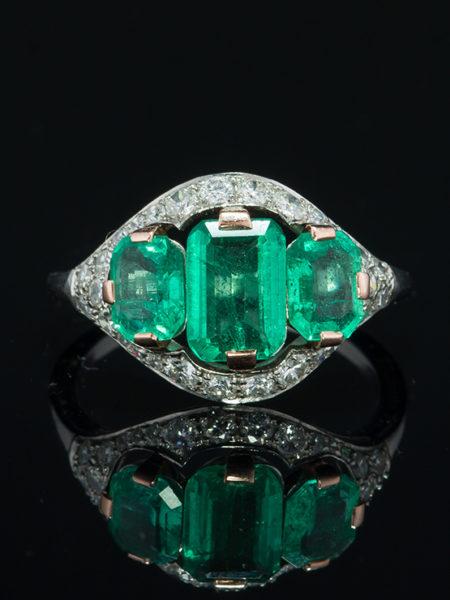 VINTAGE NATURAL EMERALD AND DIAMOND THREE STONE GLAMOROUS RING