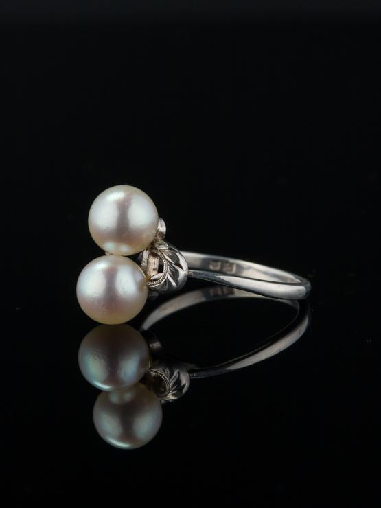 Vintage Elegant Mikimoto Two Akoya Pearl Ring With Box