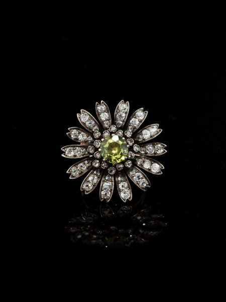 VICTORIAN DIAMOND AND PERIDOT FLOWER DAISY CLUSTER RING