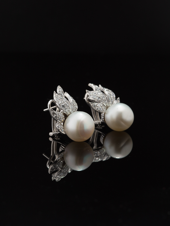 a26b7e8f6e4a2 VINTAGE 3.66 Ct DIAMOND AND 29 Ct SALTWATER PEARL EARRINGS