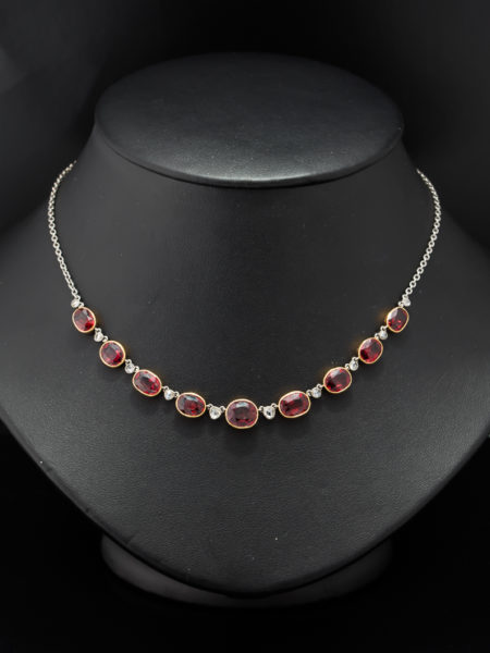 ART DECO NATURAL GARNET AND DIAMOND RIVIERE NECKLACE