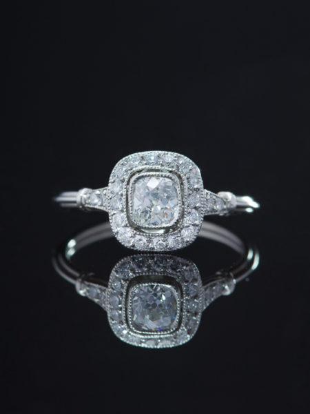 ESTATE 1.04 Ct DIAMOND AND PLATINUM HALO CLUSTER RING