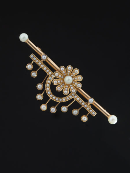 Antique Victorian Natural Pearl Daisy Brooch