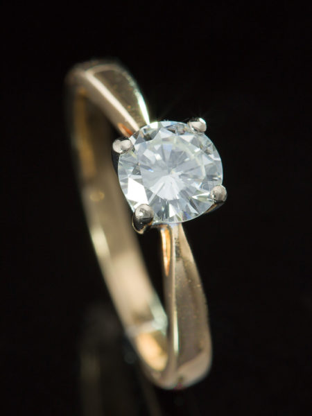 Vintage Timeless Diamond Solitaire Single Stone Ring