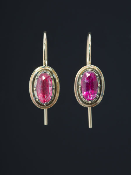Antique Early Victorian 1.43 Ct Pink Topaz Single Stone Earrings