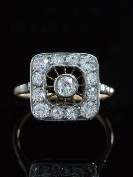 Antique Genuine Art Deco Sophisticated 1,83 ct Diamond Target Ring