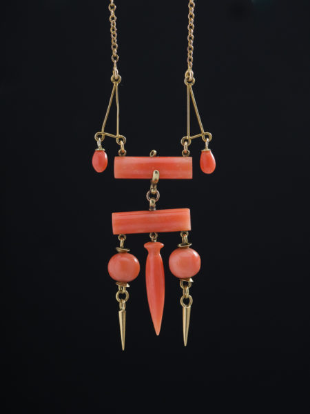 Antique Victorian Natural Coral Charming Necklace