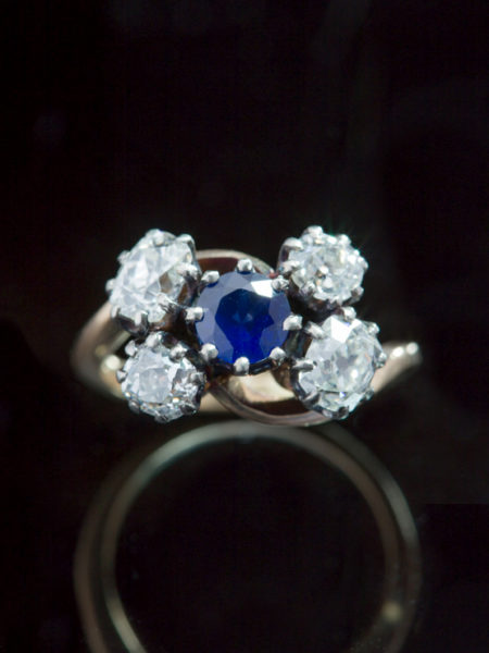 Edwardian 2,25 Ct Diamond And .57 Ct Sapphire Crossover Cluster Five Stone Ring