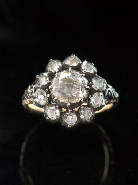 20th Century 2,70 ct Dutch Diamond Cluster Halo Flower Ring